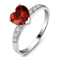 Engagement ring with heart shape cz